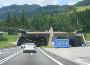 tunnel stradale san gottardo